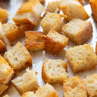 Extra kenyérkocka