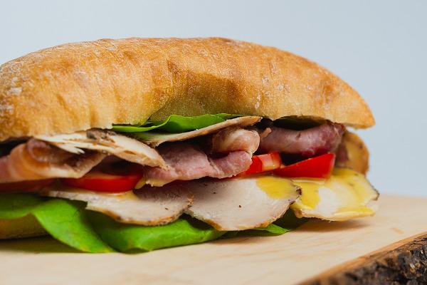 Csirke-bacon ciabatta